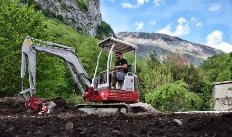 Terrassement et nivelage de terre végétale