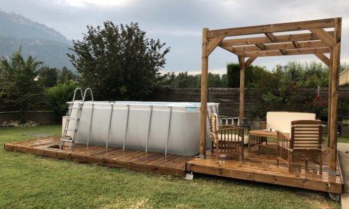 Terrasse et pergola en pin traité brun autoclave classe 4